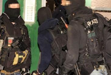 SEK Einsatz in Duisburg | 40-Jähriger greift Passanten und Polizisten mit Samuraischwert an