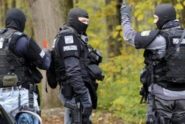 Hilfe kam zu spät | Zwei Männer erschießen sich in Biergarten