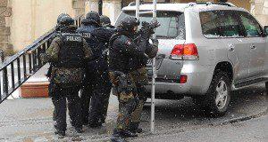 Polizeikräfte des MEK Hamburg | Foto: © Polizei S-H