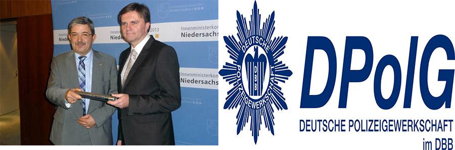 Mecklenburg-Vorpommerns Innenminister Lorenz Caffier übergibt den Staffelstab und damit den Vorsitz der IMK 2013 an Niedersachsens Innenminister Uwe Schünemann | Foto: © IMK