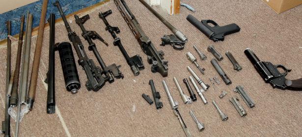 Teile der sichergestellten Waffen | Foto: Polizei
