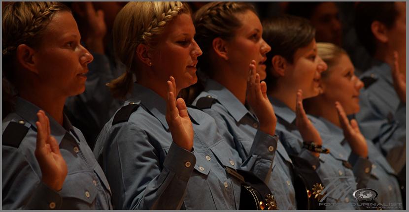 Vereidigung neuer Polizistinnen und Polizisten | Foto: © fjmoll.de