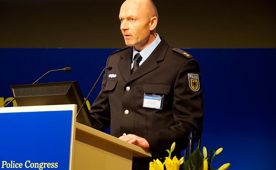stellv. Kommandeur der GSG 9 auf dem Europäischen Polizeikongress | Foto: © sek-einsatz.de