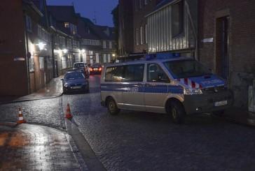 Polizei durchsucht mit SEK Bar und Wohnung in Stade