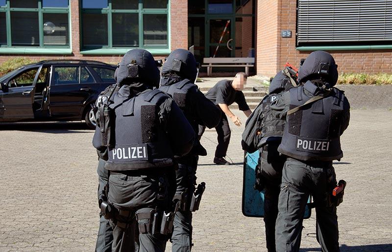 Festnahme durch SEK Beamte | Symbolfoto: © Copyright Tomas Moll