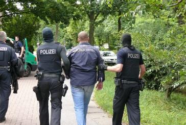 MEK verhaftet Räuber | Fahndnung nach Komplizen