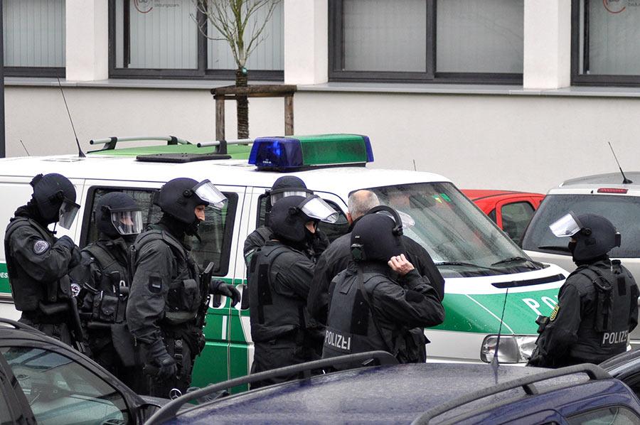 Spezialeinsatzkräfte am Einsatzort | Symbolfoto: © Karsten John