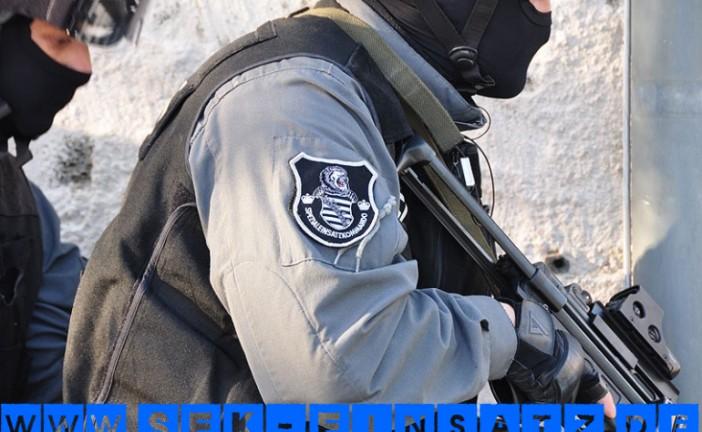 Mit Messer Bewaffneter hindert Feuerwehr an Löscharbeiten