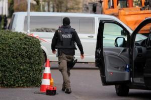 SE-Kräfte am Einsatzort in Leverkusen | Foto: © Andreas Trojak
