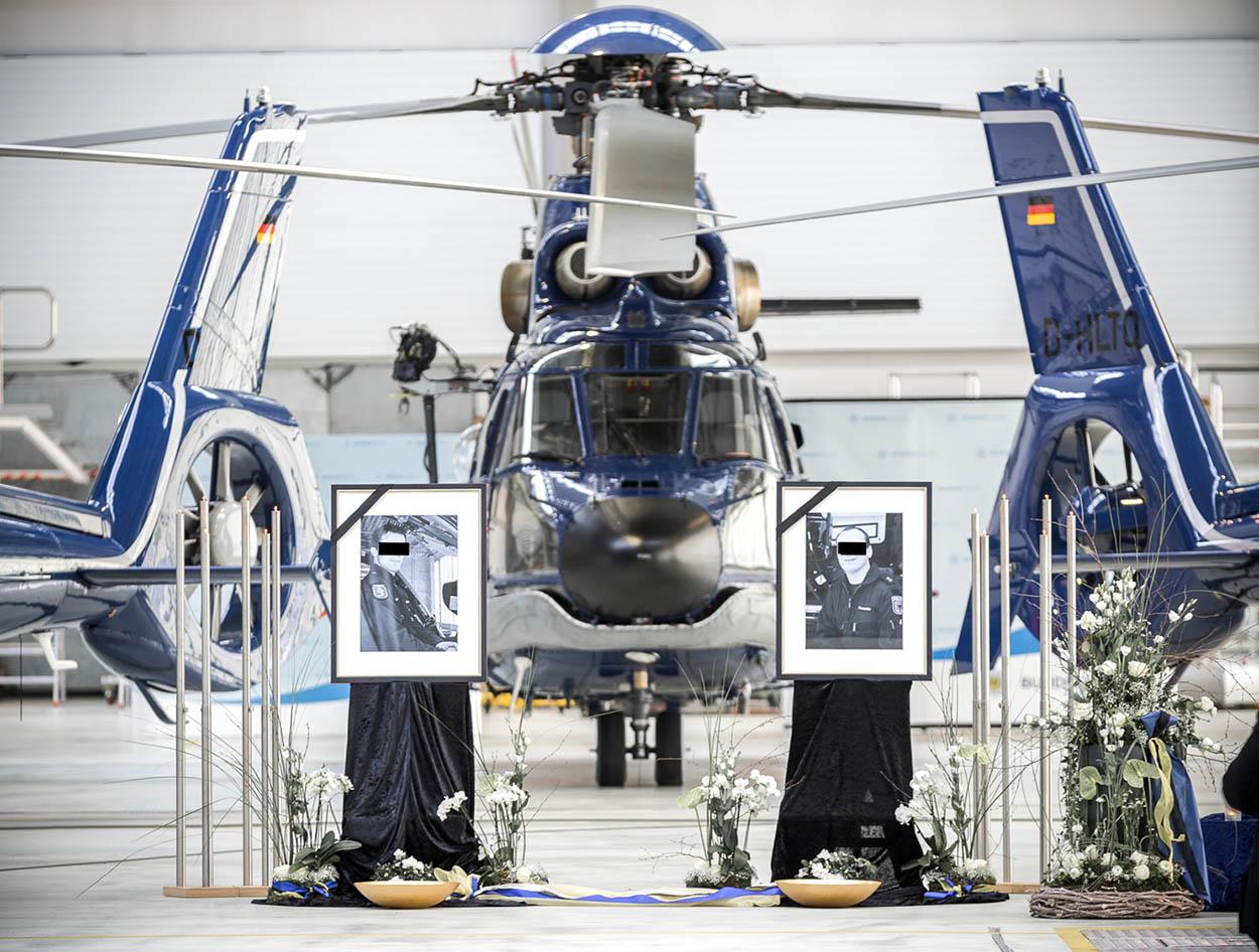Trauerfeier im Hangar der Bundespolizei-Fliegerstaffel Fuhlendorf | Foto: Bundespolizei