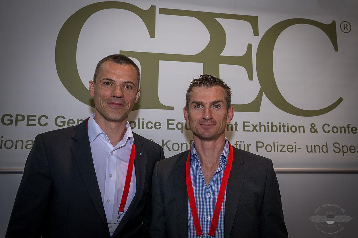 Marco Müller Kommandoführer ZUZ und Jérôme Fuchs Kommandeur GSG 9 BPol auf der GPEC 2016 in Leipzig. (v.l.)   Foto: © GPEC/Tomas Moll