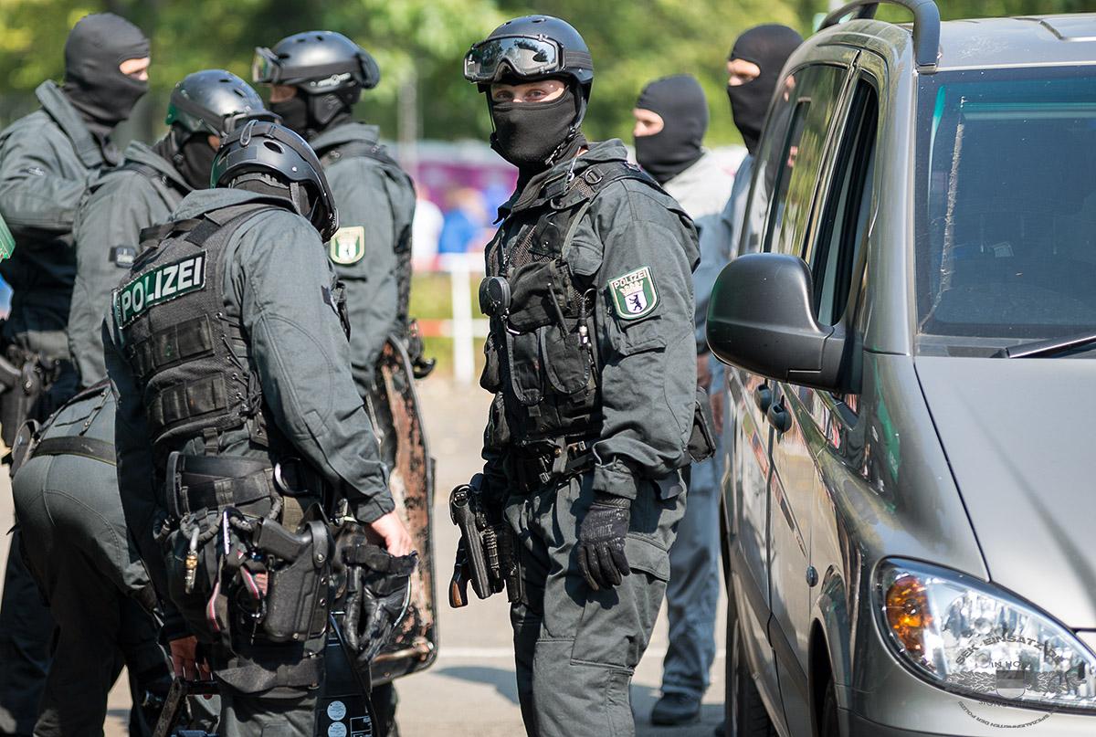 Polizeibeamte eines Spezialeinsatzkommandos Berlin | Foto: Tomas Moll