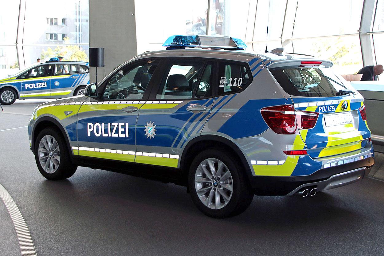 Die Bayerische Polizei fährt ab jetzt blau | Foto: © Polizei Bayern / StMi