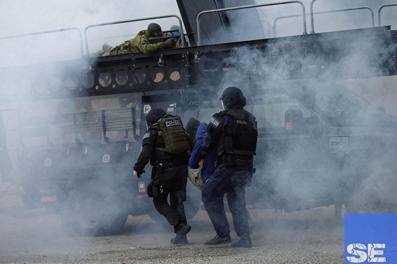 Einsatzbeamte der Cobra und WEGA bei der Übung | Foto: © Thomas Cerny