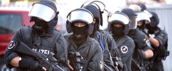 Photo of SEK Einsatz | Zwei Festnahmen nach Vergeltungstat