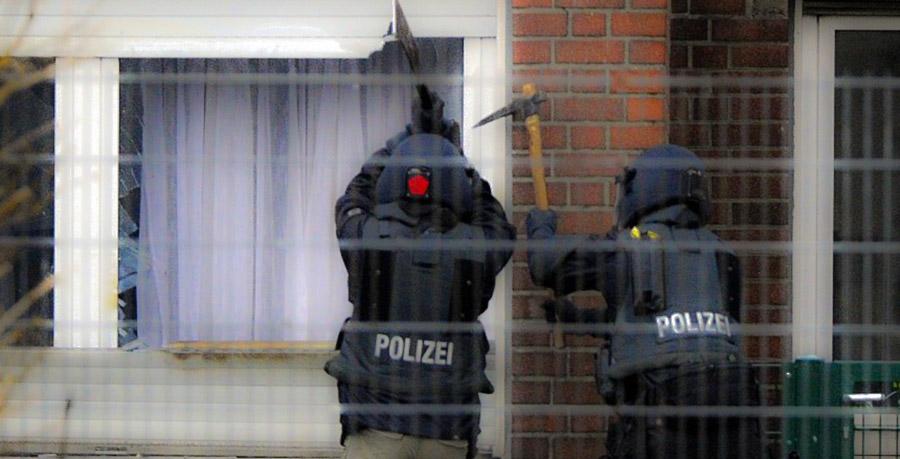 Spezialeinheiten stürmen das Objekt | Foto: Videoprint