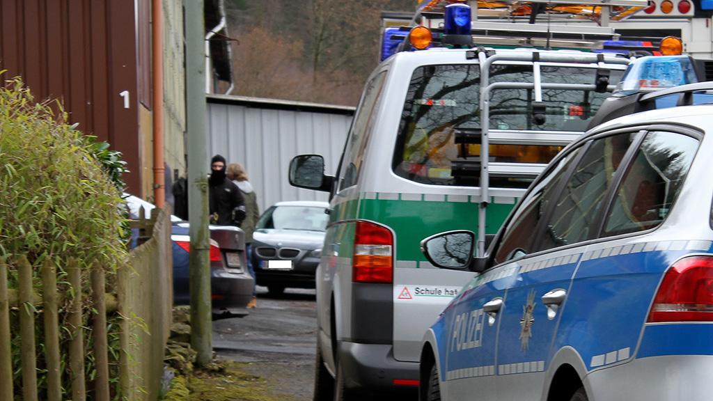 Polizeikräfte am Einsatzort | Foto: © Andreas Trojak