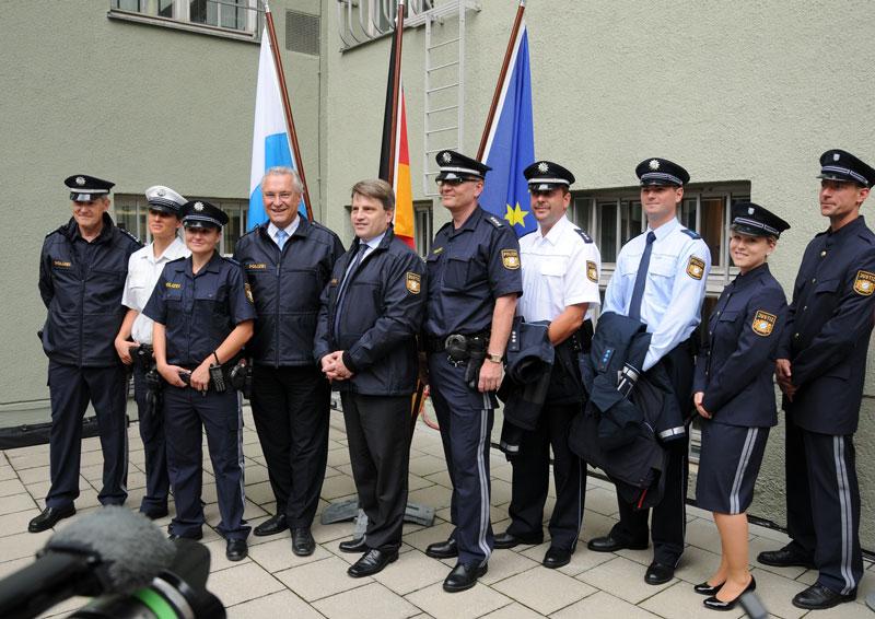 Trageversuch der neuen Uniformen | Foto: © Polizeipräsidium München