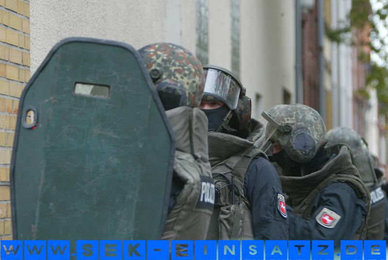 SE Kräfte der Polizei Niedersachsen | Symbolfoto: © Tim Schaarschmidt