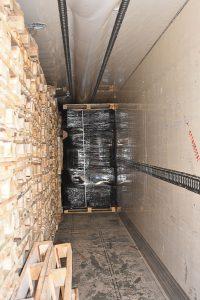 sichergestellte Kartons mit Schmuggelzigaretten | Foto: © Zoll ZFA Berlin