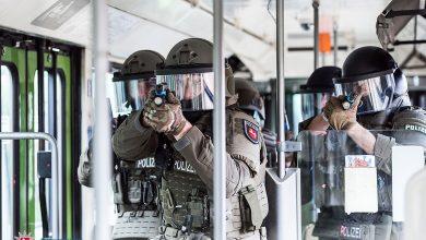 Photo of Spezialeinsatzkommando trainiert in Straßenbahn für den Ernstfall
